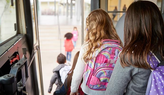 Alquiler de autobuses y microbuses para rutas escolares