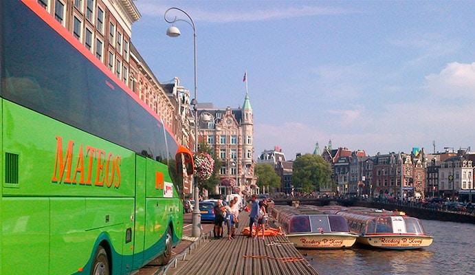 Autobuses y microbuses para viajes organizados y excursiones culturales y turísticas